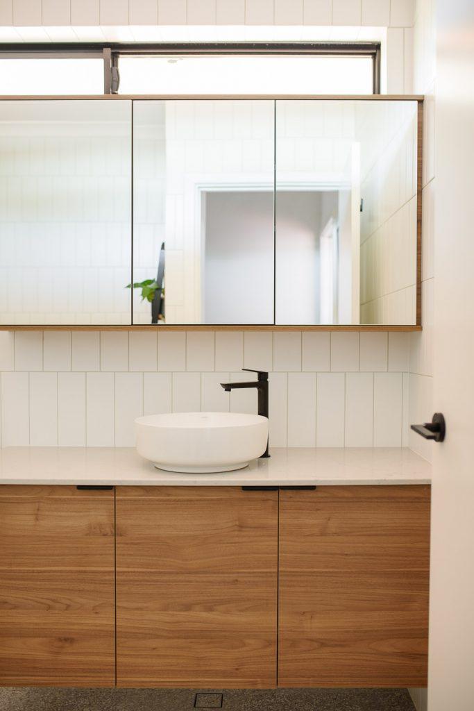 small bathroom design mirrored cabinets
